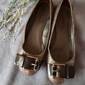 Bandolino gold and brown buckle top flats. Size 10